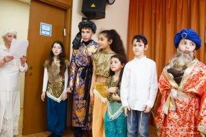 Празднование Пурима в центре ЭСТЕР. Водный стадион, САО, Москва. Еврейское воспитание, традиции для детей.